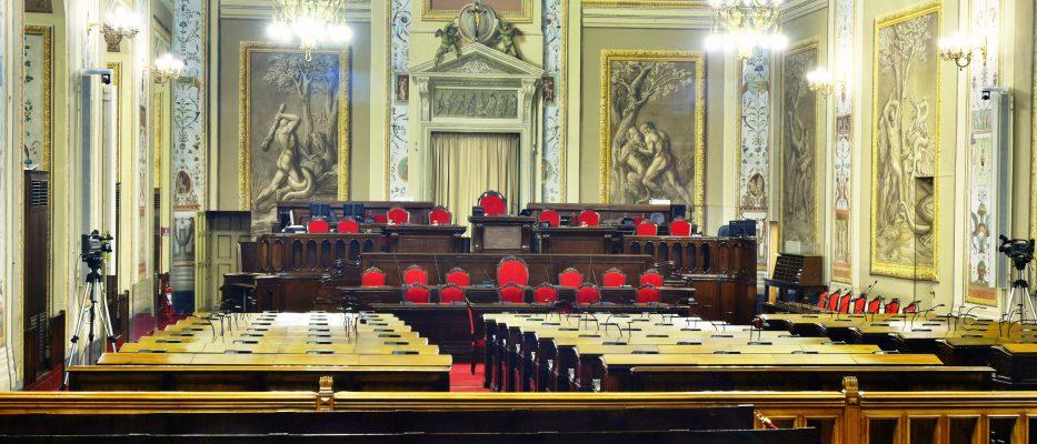 ars pausa elettorale si insedia la commissione vitalizi protesta il m5s