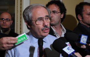 """Reati elettorali, condannati Raffaele Lombardo e il figlio. L'ex governatore: """"Incredibile"""""""
