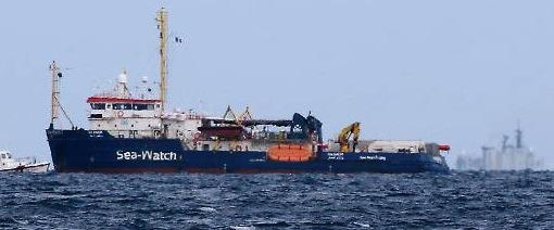 sea watch polemiche a bordo