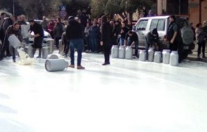 la protesta dei pastori sardi contagia la sicilia