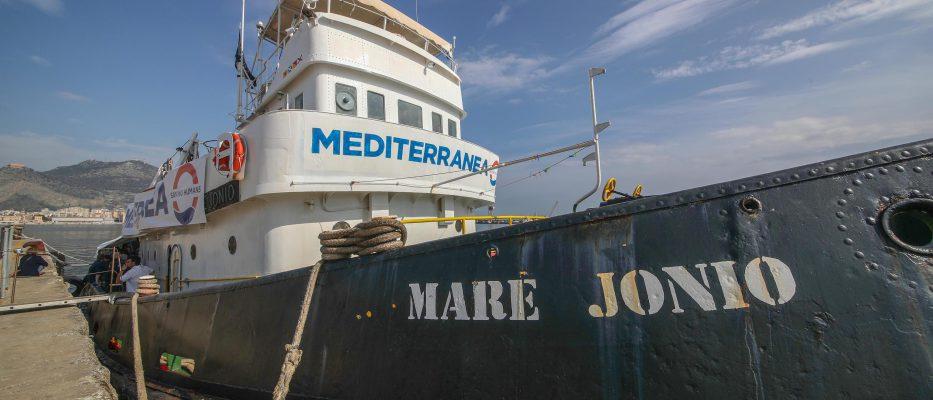 mare jonio il pm non convalida il sequestro della nave