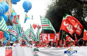 Scuola, sit-in dei sindacati a Palermo sull'ampliamento degli organici