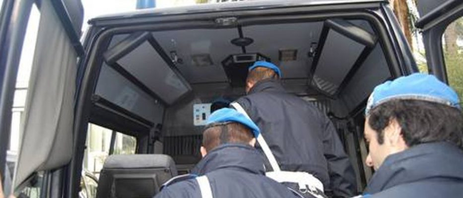 furgone-polizia-penitenziaria