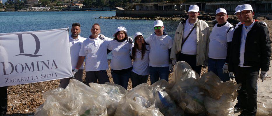 pulizia litorale porticello recuperate 1500 bottiglie