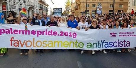 """Palermo Pride """"favolosamente antifascista"""": corteo per la città e festa in serata"""